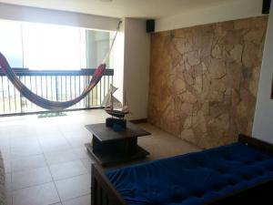 Apartamento En Venta En Catia La Mar - Playa Grande Código FLEX: 17-7989 No.7