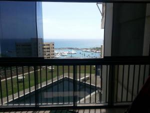 Apartamento En Venta En Catia La Mar - Playa Grande Código FLEX: 17-7989 No.9