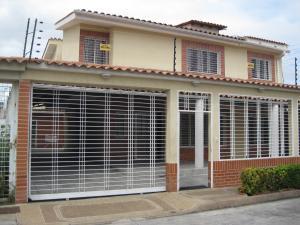 Townhouse En Venta En La Morita, Los Girasoles, Venezuela, VE RAH: 17-8016