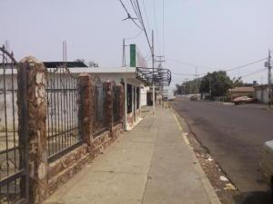 Local Comercial En Venta En Ciudad Ojeda, Barrio Libertad, Venezuela, VE RAH: 17-8021