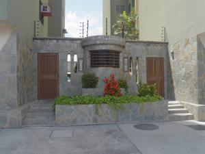 Apartamento En Venta En Municipio Naguanagua, Casco Central, Venezuela, VE RAH: 17-8041
