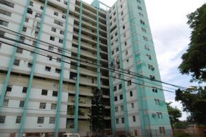 Apartamento En Venta En Maracay, Las Acacias, Venezuela, VE RAH: 17-8065