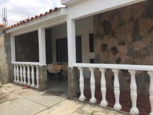 Casa En Venta En Municipio San Diego, Valle Verde, Venezuela, VE RAH: 17-8152