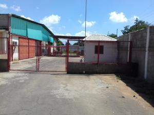 Galpon - Deposito En Venta En Municipio San Francisco, Via Principal, Venezuela, VE RAH: 17-8129