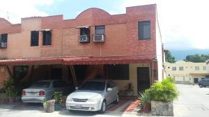 Townhouse En Ventaen Municipio Naguanagua, Quintas Del Norte, Venezuela, VE RAH: 17-8167