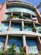 Apartamento En Venta En Caracas, El Rosal, Venezuela, VE RAH: 17-8207