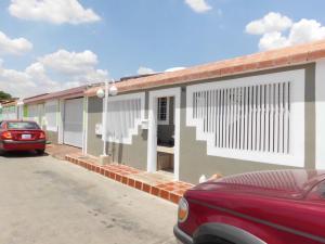 Casa En Ventaen Charallave, Vista Linda, Venezuela, VE RAH: 17-8182