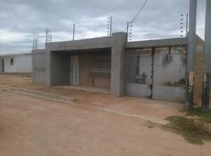 Casa En Venta En Punto Fijo, Puerta Maraven, Venezuela, VE RAH: 17-8185