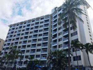 Apartamento En Ventaen Parroquia Caraballeda, Caribe, Venezuela, VE RAH: 17-8197