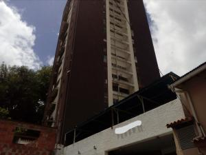 Apartamento En Ventaen Los Teques, Municipio Guaicaipuro, Venezuela, VE RAH: 17-8571