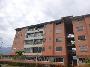 Apartamento En Venta En Guatire, Sector San Pedro, Venezuela, VE RAH: 17-8210