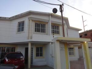 Townhouse En Venta En Maracaibo, Canchancha, Venezuela, VE RAH: 17-8225