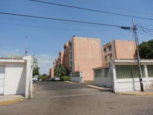 Apartamento En Venta En Maracaibo, Pomona, Venezuela, VE RAH: 17-8236
