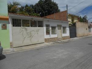 Casa En Venta En Municipio Linares Alcantara, La Morita Ii, Venezuela, VE RAH: 17-8249