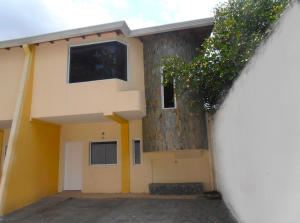 Casa En Venta En Maracay, El Limon, Venezuela, VE RAH: 17-8267