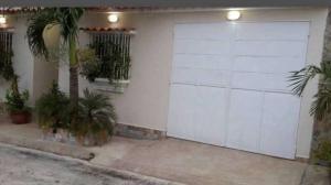 Casa En Venta En Charallave, Vista Real, Venezuela, VE RAH: 17-8587