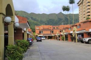 Townhouse En Ventaen Municipio Naguanagua, Maã±Ongo, Venezuela, VE RAH: 17-8288