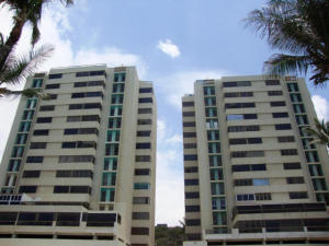 Apartamento En Ventaen Catia La Mar, Playa Grande, Venezuela, VE RAH: 17-8332