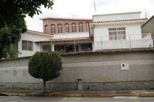 Casa En Venta En Caracas, Las Palmas, Venezuela, VE RAH: 17-8294