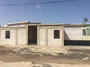 Casa En Venta En Punto Fijo, Judibana, Venezuela, VE RAH: 17-8310