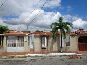 Casa En Venta En Cua, Lecumberry, Venezuela, VE RAH: 17-8498