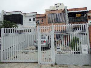 Casa En Venta En Valencia, Valles De Camoruco, Venezuela, VE RAH: 17-8419