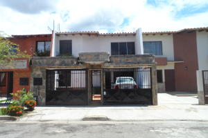 Casa En Venta En Valencia, Trigal Norte, Venezuela, VE RAH: 17-8360