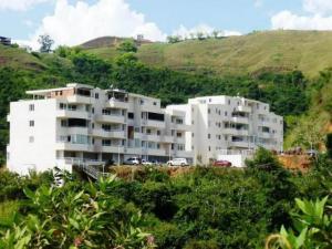Apartamento En Venta En Caracas, Bosques De La Lagunita, Venezuela, VE RAH: 17-8411