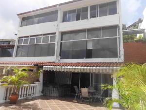 Casa En Venta En Caracas, Las Esmeraldas, Venezuela, VE RAH: 17-8412