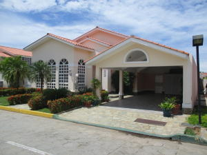Casa En Ventaen Margarita, Los Robles, Venezuela, VE RAH: 17-8431