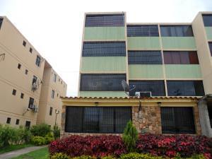 Apartamento En Venta En Municipio Los Guayos, Buenaventura, Venezuela, VE RAH: 17-8457