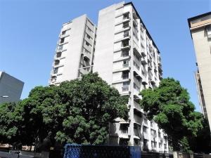 Apartamento En Venta En Caracas, Los Palos Grandes, Venezuela, VE RAH: 17-8459