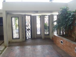 Apartamento En Alquiler En Maracaibo, La Lago, Venezuela, VE RAH: 17-8475