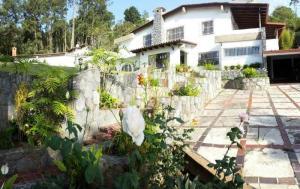 Casa En Ventaen San Antonio De Los Altos, Club De Campo, Venezuela, VE RAH: 17-8482