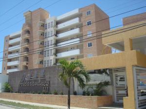 Apartamento En Ventaen Higuerote, Agua Sal, Venezuela, VE RAH: 17-8486