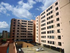 Apartamento En Venta En Valencia, Agua Blanca, Venezuela, VE RAH: 17-8493
