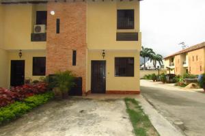 Townhouse En Venta En Municipio Naguanagua, El Guayabal, Venezuela, VE RAH: 17-8494