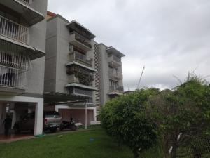 Apartamento En Venta En Caracas, Colinas De Bello Monte, Venezuela, VE RAH: 17-8517