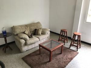 Apartamento En Venta En Maracaibo, El Naranjal, Venezuela, VE RAH: 17-8525