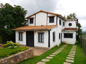 Casa En Venta En Cabudare, Parroquia Agua Viva, Venezuela, VE RAH: 17-8543