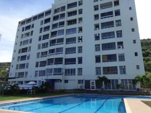 Apartamento En Venta En Parroquia Naiguata, Longa España, Venezuela, VE RAH: 17-8561