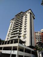 Apartamento En Venta En Valencia, El Bosque, Venezuela, VE RAH: 17-8562