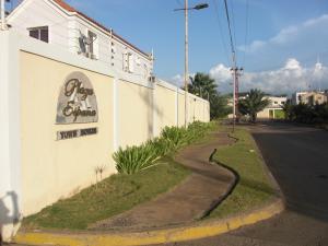 Apartamento En Venta En Coro, Plaza España, Venezuela, VE RAH: 17-8578