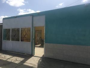 Casa En Venta En Punto Fijo, Antiguo Aeropuerto, Venezuela, VE RAH: 17-8620