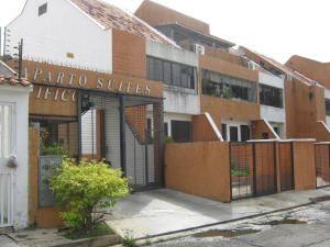 Apartamento En Venta En Valencia, Sabana Larga, Venezuela, VE RAH: 17-8699
