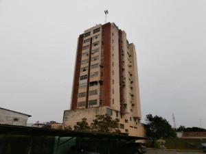 Apartamento En Venta En Coro, Centro, Venezuela, VE RAH: 17-8709