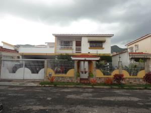 Casa En Venta En Valencia, Valles De Camoruco, Venezuela, VE RAH: 17-8897