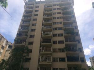 Apartamento En Venta En Caracas, El Rosal, Venezuela, VE RAH: 17-8751