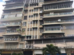 Apartamento En Venta En Caracas, La Florida, Venezuela, VE RAH: 17-9204