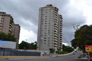 Apartamento En Venta En Caracas, La Carlota, Venezuela, VE RAH: 17-8724